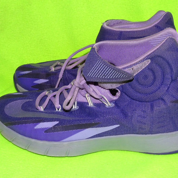 bc3cddc628df NIKE ZOOM Hyperrev Purple Kyrie Irving Size 10. M 5b282f0e194dadf614a1df28